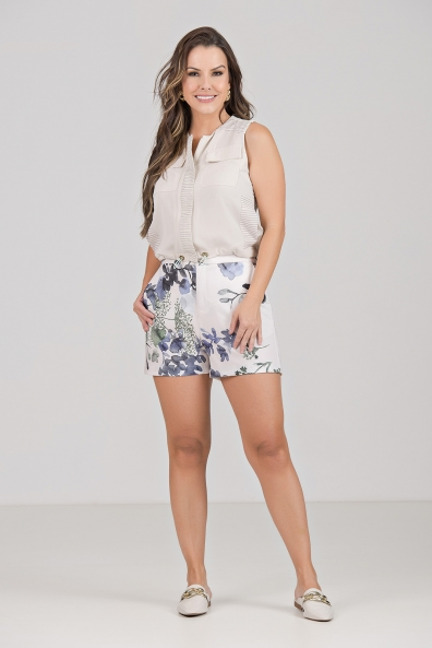 CONJUNTO KÍMIKA SHORT ESTAMPA EXCLUSIVA E BLUSA LISA BEGE.